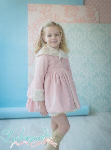 abrigo niña vuelo pelo rosa volantes lazo
