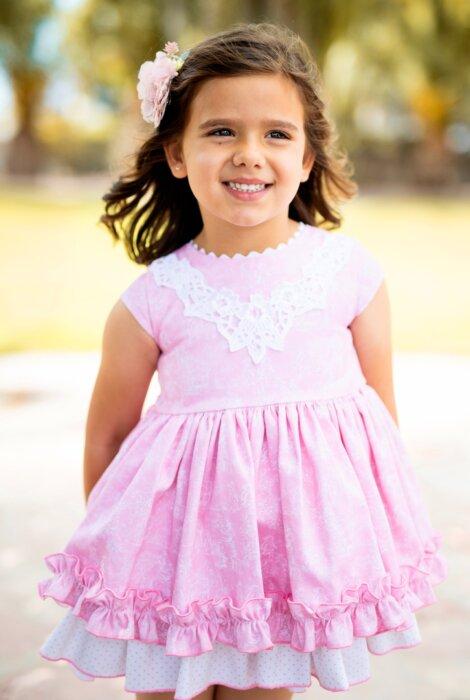 Belcoquet Madisson vestido de vuelo rosa con volantes