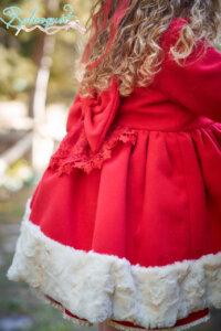 abrigo paño rojo trasero